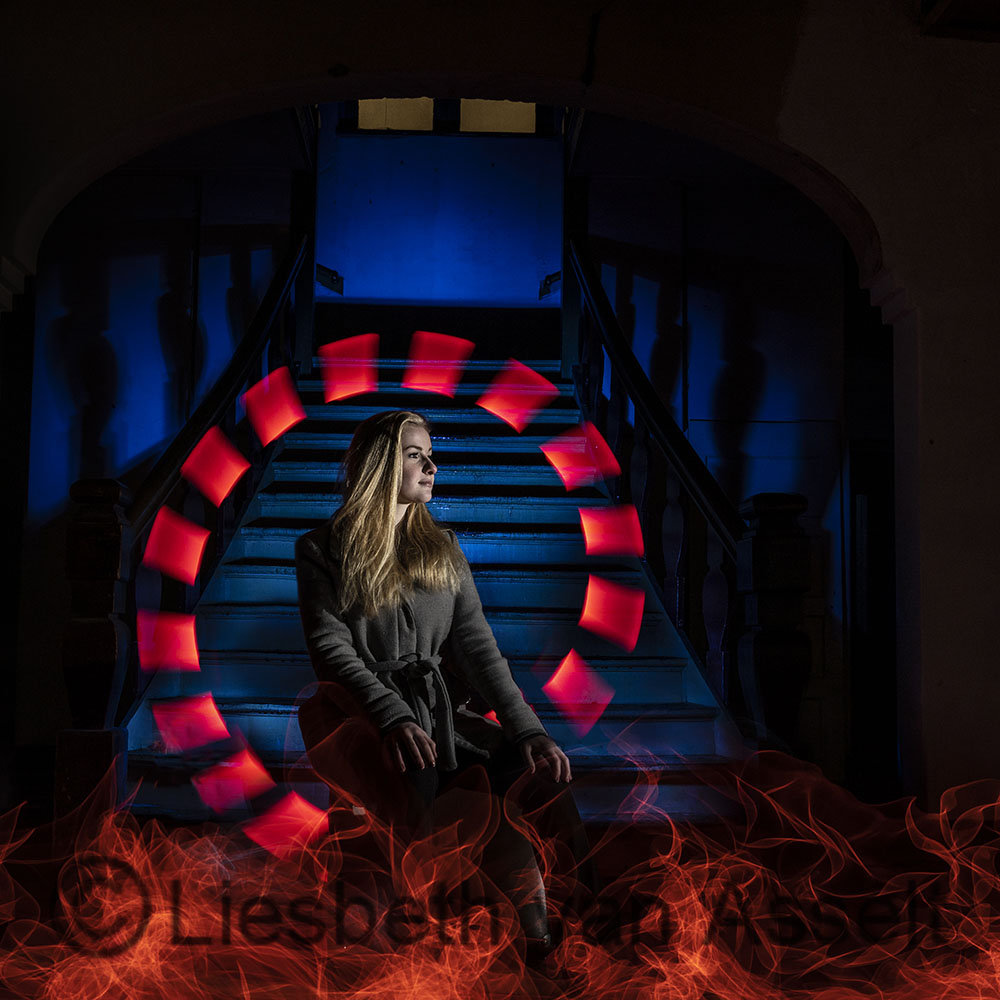 Making fire with lightpainting